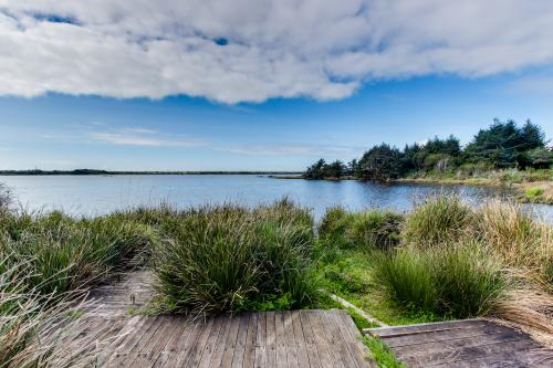 Cape Meares Lake and Ocean Retreat - Tillamook Vacation Rental