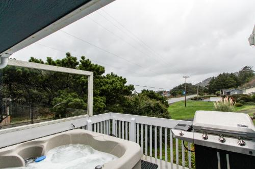 Yachats Blue Jean Cottage -  Vacation Rental - Photo 1