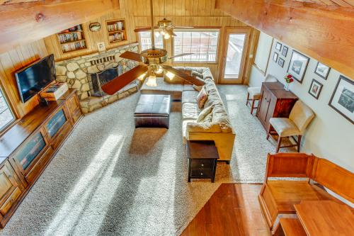 Cozy Cabin on Cougar -  Vacation Rental - Photo 1
