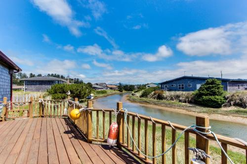 You, Me and the Sea - Waldport Vacation Rental