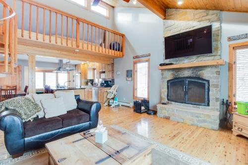 Hawk's Hideout -  Vacation Rental - Photo 1