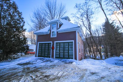 Amato Carriage House, Upper Level - Ludlow, VT Vacation Rental