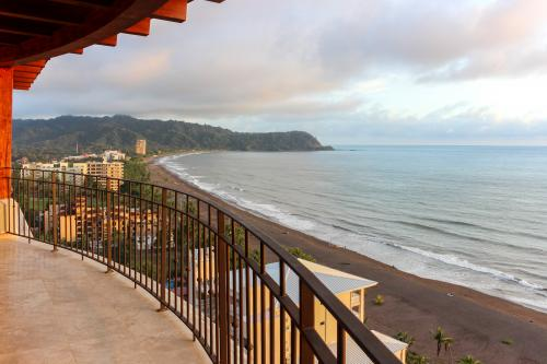Croc's Penthouse - Jacó, Costa Rica Vacation Rental