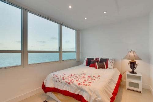 Castle Beach: Sunset Suite - Miami Beach, FL Vacation Rental