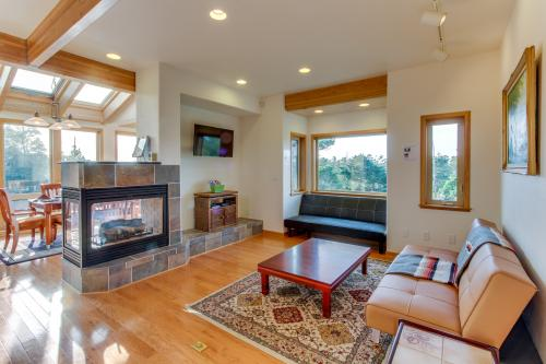 Towering Views - Florence, OR Vacation Rental