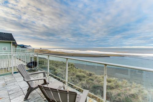 Ocean Lover's Landing -  Vacation Rental - Photo 1