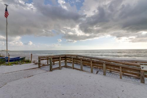 Whitecap Condo Beach View Splendor - Fort Myers Beach, FL Vacation Rental