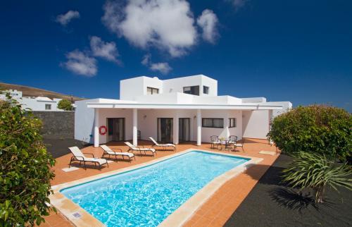 Villa Montaña Roja  -  Vacation Rental - Photo 1