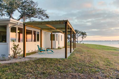 Sunsetter on Sapphire Shores -  Vacation Rental - Photo 1