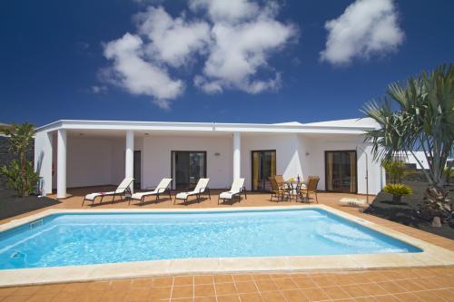 Villa Montaña Roja II -  Vacation Rental - Photo 1
