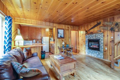 Spruce Grove Snowshoe Cabin -  Vacation Rental - Photo 1