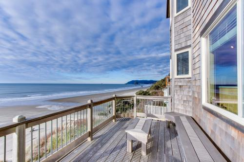 Courtyard Oceanfront Beach House -  Vacation Rental - Photo 1