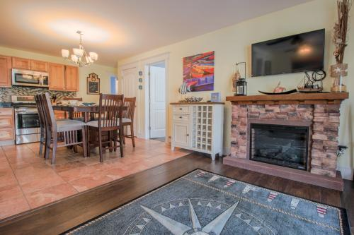 On The Edgecomb -  Vacation Rental - Photo 1
