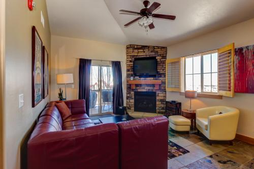 Bear Hollow Luxury Condo -  Vacation Rental - Photo 1