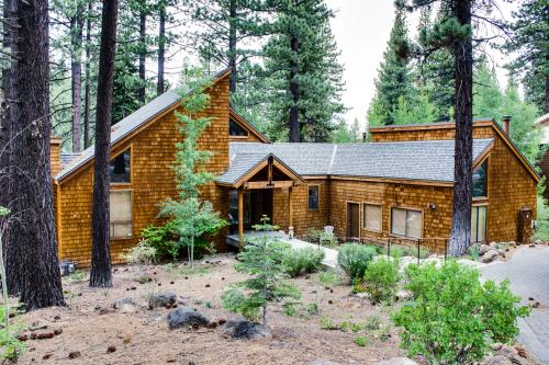 Northstar Ski Lodge with Hot Tub - Truckee Vacation Rental