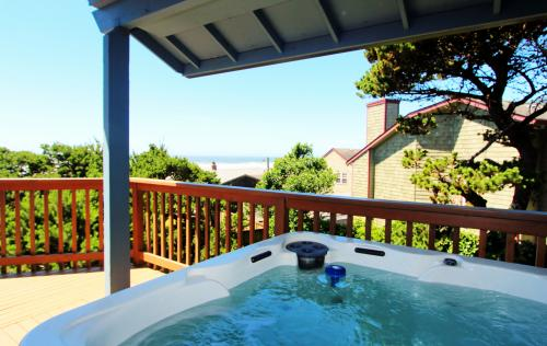 Manzanita Beach Cottage - Manzanita Vacation Rental