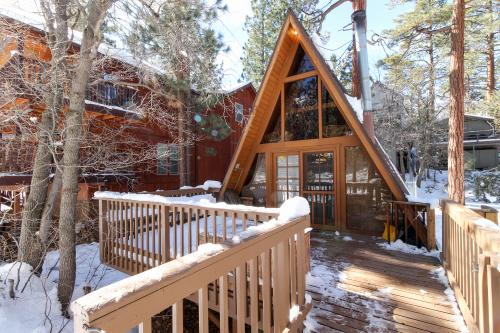 Cozy Camp - Sugarloaf, CA Vacation Rental