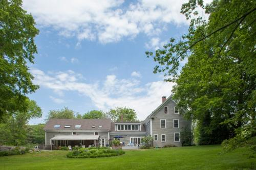The Mountain Road Estate -  Vacation Rental - Photo 1