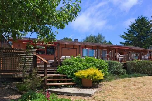 Mendocino Magic -  Vacation Rental - Photo 1