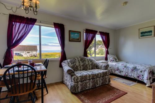 Beachcomber Cottage #1 The Searose -  Vacation Rental - Photo 1