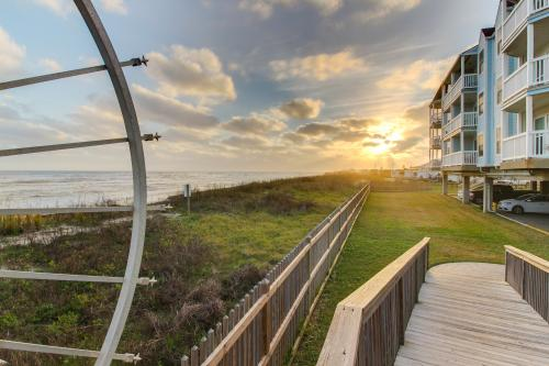 An Ocean Breeze -  Vacation Rental - Photo 1