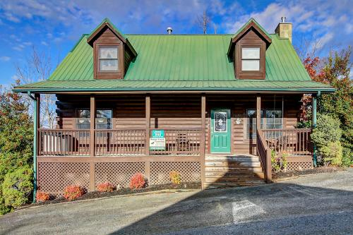 Papaw's Bear Den - Pigeon Forge, TN Vacation Rental