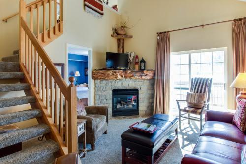 Riverside Treehouse - Edwards, CO Vacation Rental