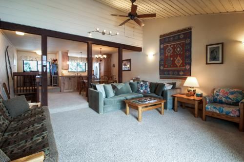 Sunny Ridge -  Vacation Rental - Photo 1