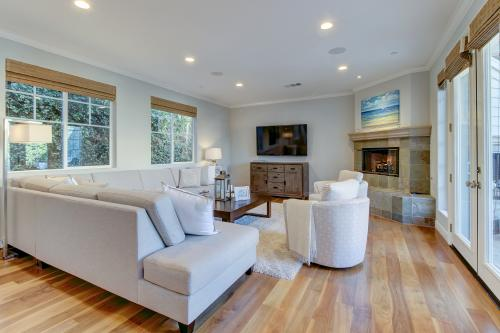 Elegant Family home in Corona del Mar - Newport Beach, CA Vacation Rental