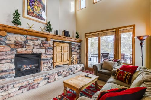 Mammoth Green 207 -  Vacation Rental - Photo 1