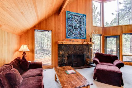 Black Butte Ranch Cabin in the Pines - Black Butte Ranch Vacation Rental