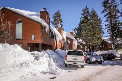 Helios North 9 - Mammoth Lakes, CA Vacation Rental