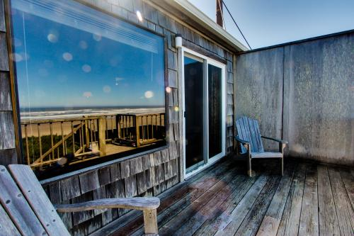 Cape Cod Cottages - Unit 1 - Waldport, OR Vacation Rental