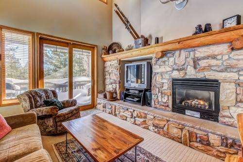 Mammoth Green 219 -  Vacation Rental - Photo 1