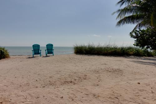 White Sands in Paradise -  Vacation Rental - Photo 1