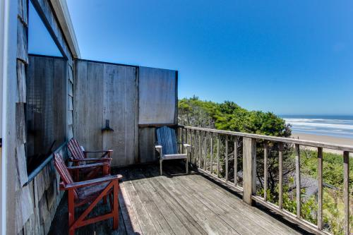 Cape Cod Cottages - Unit 4 - Waldport, OR Vacation Rental