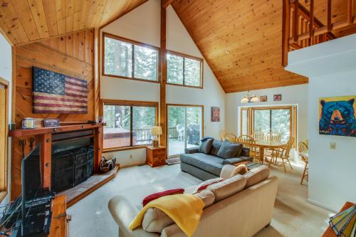 Tahoe Vista Hideaway -  Vacation Rental - Photo 1