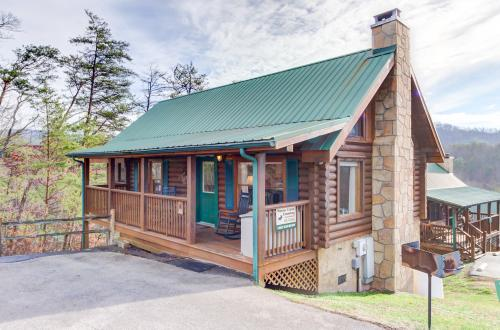 Cuddly Bear Hideaway - Pigeon Forge, TN Vacation Rental