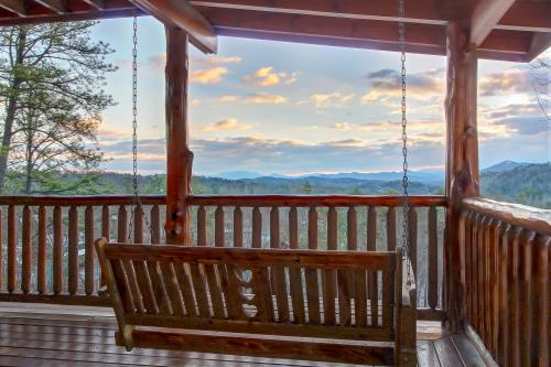 Love View More - Sevierville, TN Vacation Rental