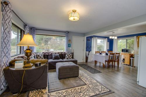 Pacific Breeze Hideaway - Rockaway Beach, OR Vacation Rental