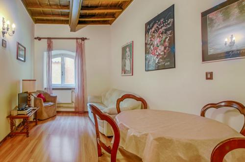 Pantheon Cozy Apartment -  Vacation Rental - Photo 1