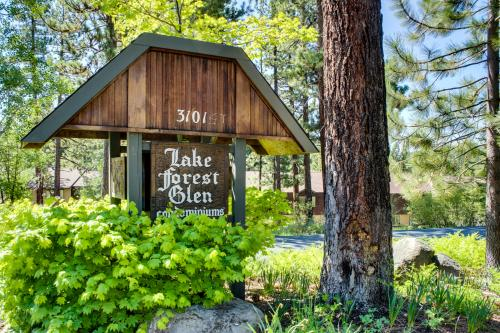 Tahoe City Lake Forest Condo with Pool and Hot Tub - Tahoe City Vacation Rental