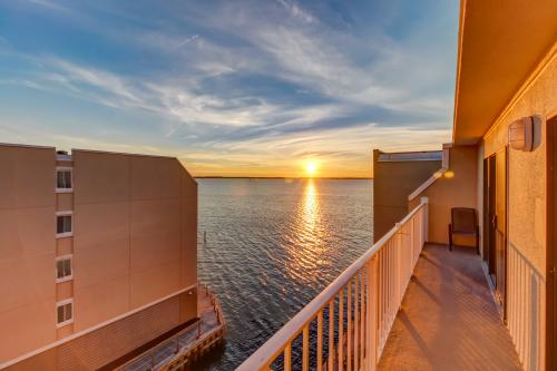 Wight Bay Condo -  Vacation Rental - Photo 1