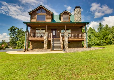 Panoramic View Cabin - Sautee Nacoochee, GA Vacation Rental