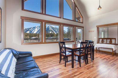 Strawberry Chalet -  Vacation Rental - Photo 1