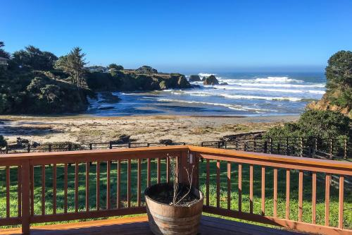 Bay View Beachfront - Fort Bragg, CA Vacation Rental