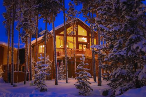 Peak 10 Retreat -  Vacation Rental - Photo 1
