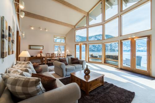 Wapato Point Star of the Lake  -  Vacation Rental - Photo 1