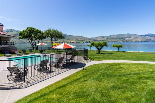 Lake Chelan Shores: Bluebird in the Bay (#8-7) -  Vacation Rental - Photo 1