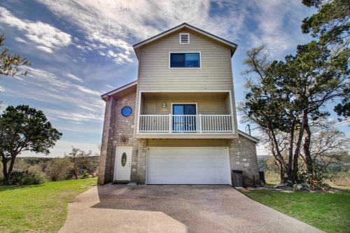 Hilltop Acres - New Braunfels , TX Vacation Rental